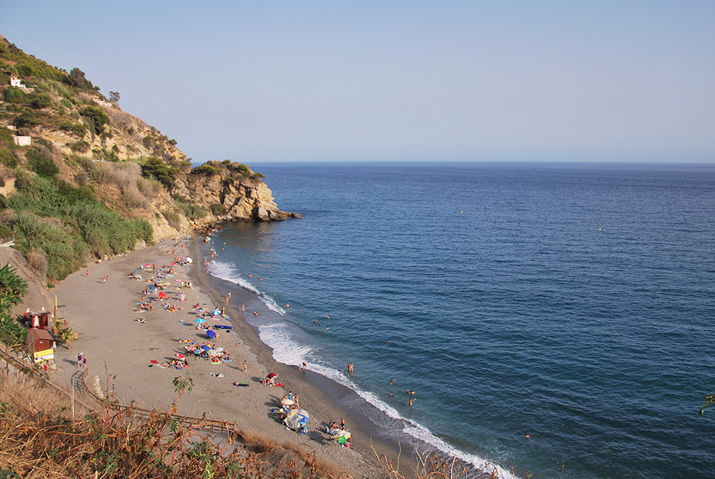 Relax on an Andalucia beach holiday - Playa de Maro